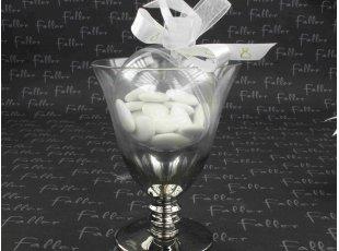 Verre calice garni d'une boule à dragées communion