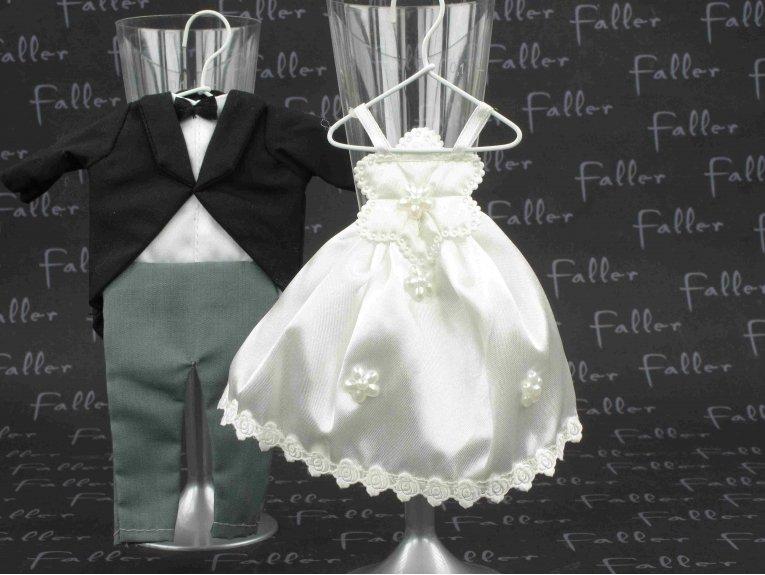 Pochon robe et costume de mariés et dragées