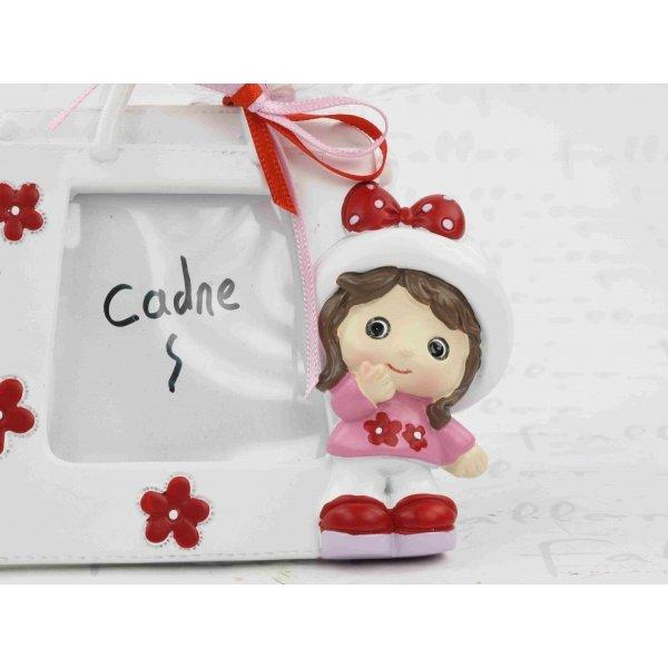 cadre photo fille et son grand sac blanc fleuri. Black Bedroom Furniture Sets. Home Design Ideas