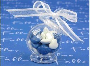Tétine garni de coeurs blancs et bleus chocolatés pour baptême