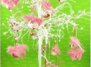 Boules aux ailes d'ange fuchsia avec dragées baptême