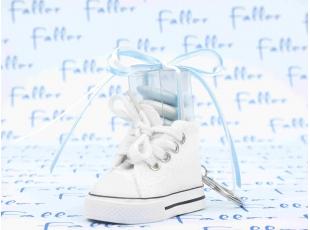 Dragées baptême porte-clés baskets bleue et blanche