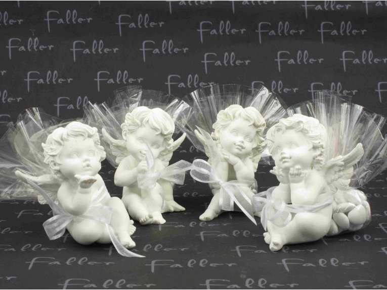 Anges de communion assortis avec dragées