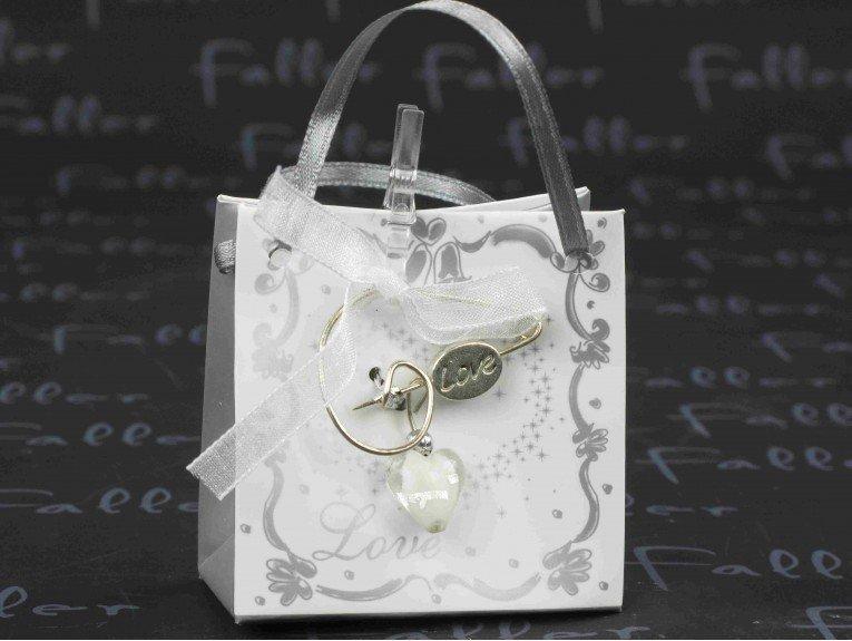 valise en carton de mariage avec broche et dragees - Valise Dragees Mariage