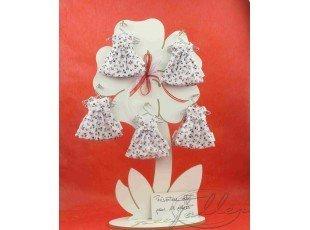 Robe de bapteme fleurie avec dragees