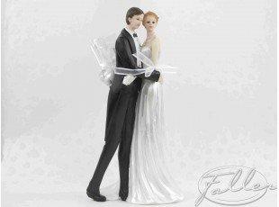 Grand couple mariés avec dragées