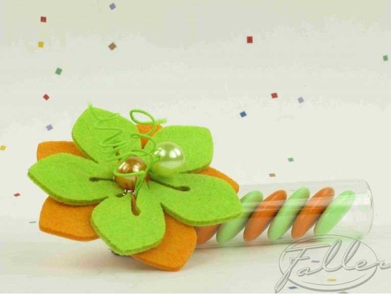 Eprouvette a dragees & fleur anis orange