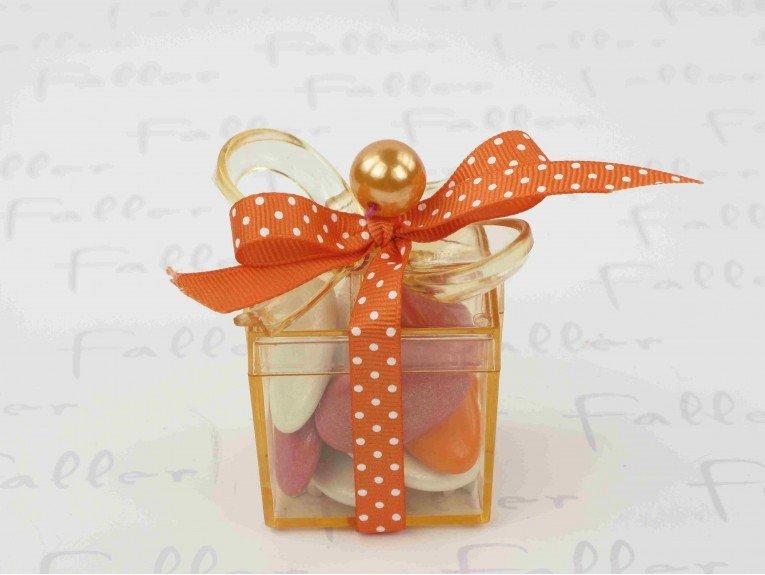 Boite cadeau orange remplie de dragées baptême