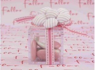 Boite a dragees plexi avec fleur tissu rose