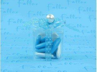 Boite cadeau garcon avec dragees chocolat turquoise