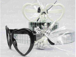 Lunette forme coeur avec dragées mariage