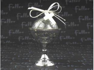 Calice plastique argent avec dragees de communion