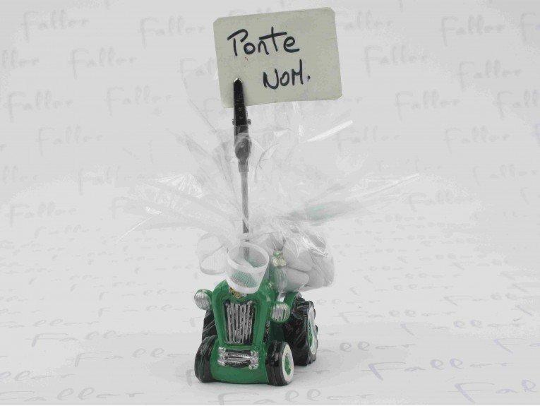 Dragees bapteme avec tracteur vert porte photo