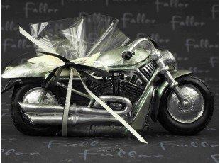 Grande moto avec pochon de dragees