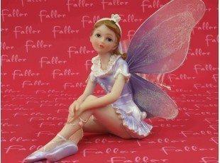 Grande elfe lilas de bapteme avec dragees