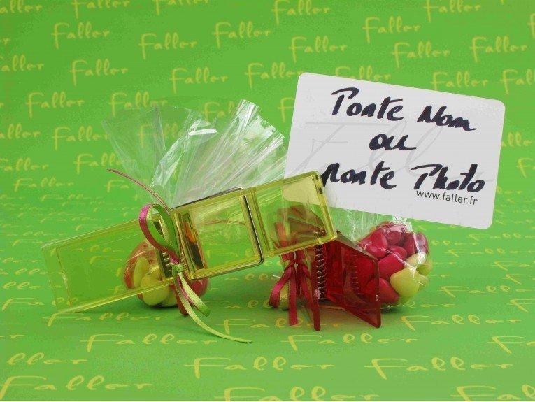 Pince à linge anis et fuchsia avec dragées chocolat