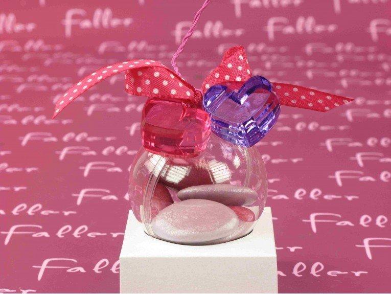 Boule a dragees bapteme avec bijoux coeur fuchsia lilas