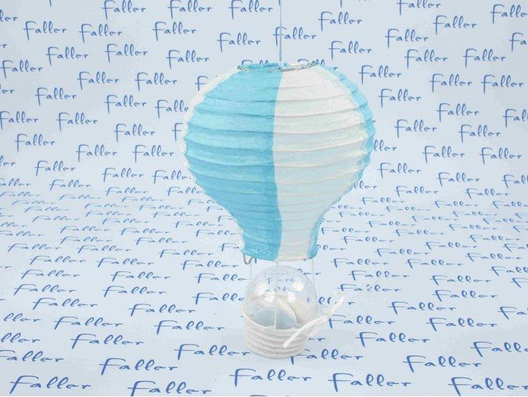 Boule à dragées dans montgolfière bleue