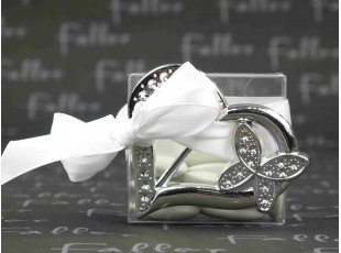 Boite a dragees mariage avec  coeur argent en plastique