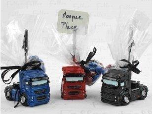Porte photo camion avec dragées pour mariage