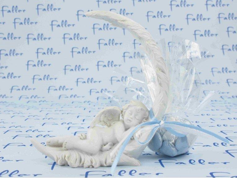 Ange endormi sur plume avec dragées baptême garçon