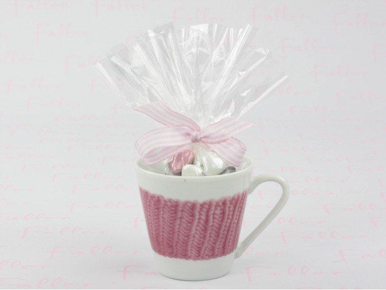 Tasse en porcelaine rose avec sachet de dragées baptême