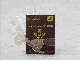 Dragées de mariage avec déco plaque passeport du bonheur