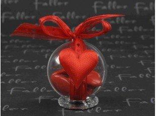 Coeur tissu rouge sur boule  plexi avec dragees