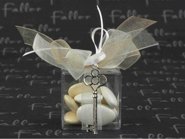 Boite à dragées mariage avec bijou clé argentée