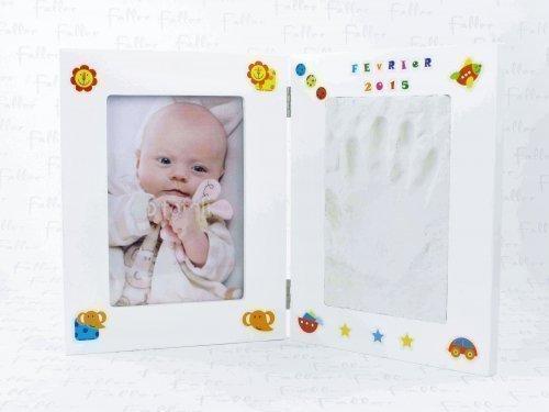 Cadre photo enfant et espace pour empreinte