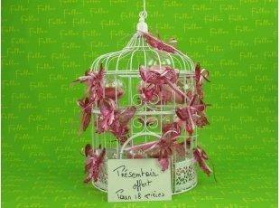 Bijou papillon fuchsia sur boule à dragées mariage
