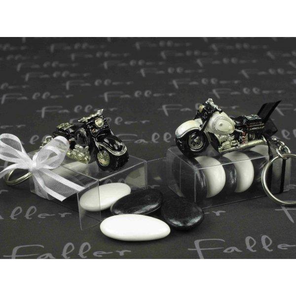Moto porte clef noire et blanche avec dragees mariage for Decoration porte noire
