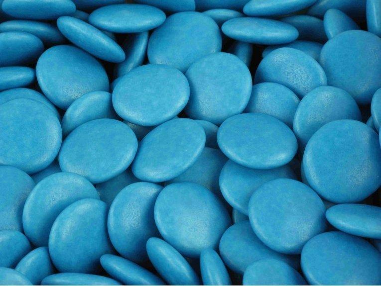 Sachet de dragées confettis 500 gr au chocolat bleu azur