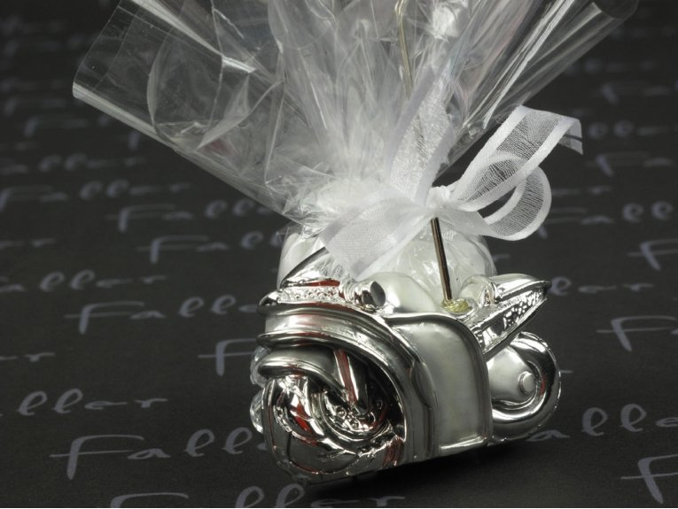 moto harley argentee porte carte avec dragees mariage. Black Bedroom Furniture Sets. Home Design Ideas