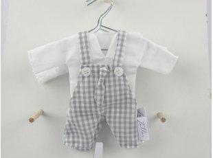 Salopette à dragées vichy grise et chemise blanche