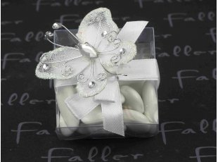 Boite à dragées baptême ornée d'un papillon strass blanc