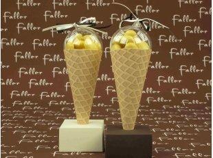 Cornet de glace à la vanille pour baptême original