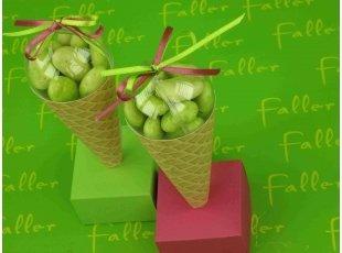 Cornet de glace au citron vert baptême anis fuschia