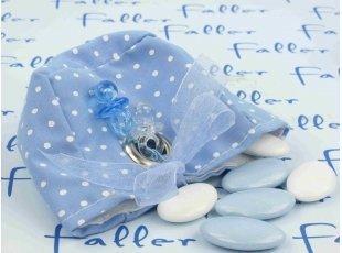 Contenant à dragées garçon bleu à pois blancs avec tétines