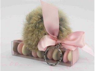 Porte-clés fourrure avec dragées déco rose poudré
