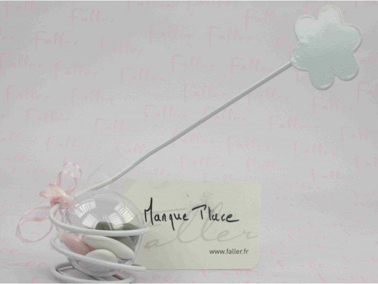 Marque-place fleur blanche et ses dragées