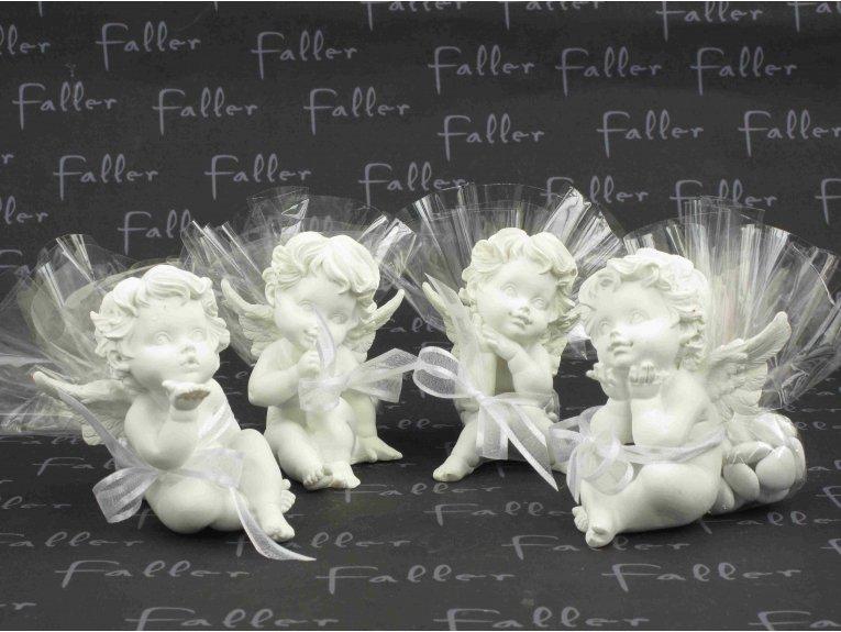 Anges de communion assortis avec dragées