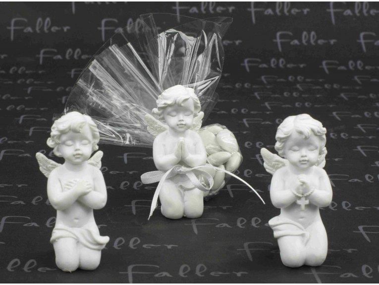 Anges priants avec dragées communion