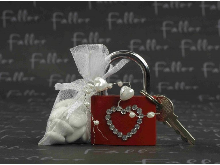 Cadenas d'amour avec dragees mariage
