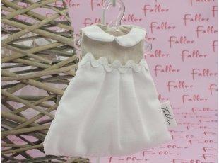 Robe col claudine en lin avec dragées de baptême