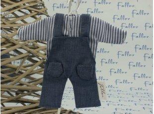 Salopette en jean avec chemise rayée et ses dragées