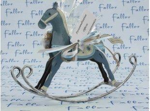 Joli cheval à bascule avec dragées