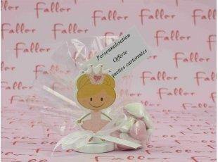 Princesse avec pince et  dragees de bapteme