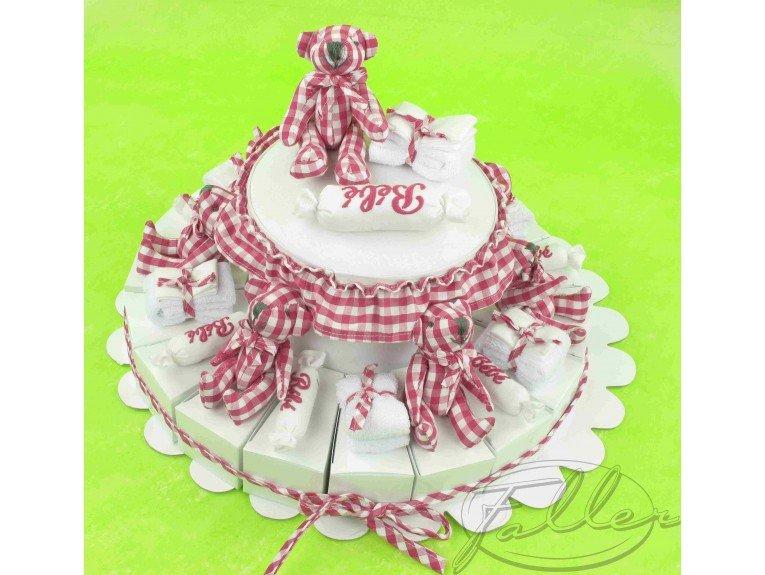 Composition dragées fille dans gâteau fuchsia