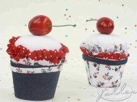 Petit cupcake cerise pour bapteme